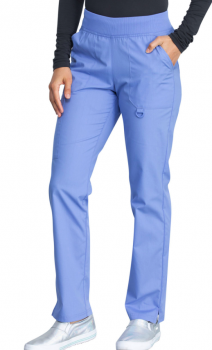 Mid Rise Tapered Leg Pull-on Pant in Ciel